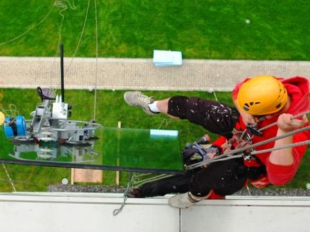 Обследование и ремонт фасадов из стекла