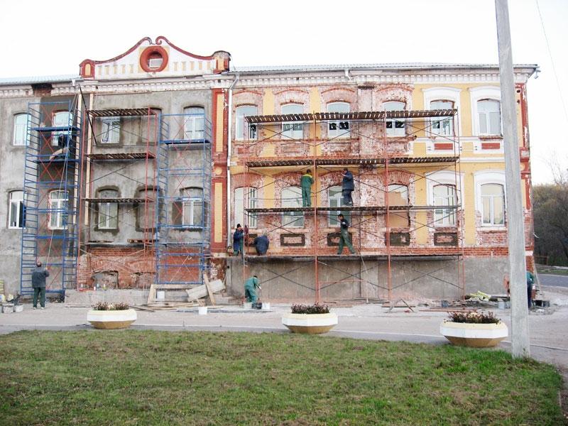 ремонт и реставрация фасада дома